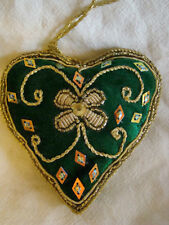 GREEN AND GOLD HEART SHAPED WALL HANGING HANDMADE INDIA, IDEAL CHRISTMAS DECOR