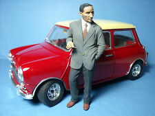 FIGURINE  ALEC  ISSIGONIS   1/18   A  PEINDRE  VROOM  FOR  AUSTIN  MINI  CLASSIC