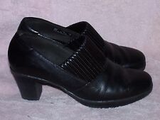 Women's Genuine Leather Shoes by Clarks Bendables-Worn a Couple of Times-7 1/2 M