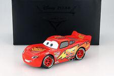Lightning McQueen aus dem Disney Film Cars mit Vitrine rot / gelb 1:18 Schuco