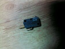 Whirlpool Microwave Oven Micro Switch W10211974 8206352 4393599 V5P030C