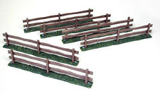 Plastic Toy Soldiers Wooden Fence Sections 6 Painted Multi-Scale Britains 5201