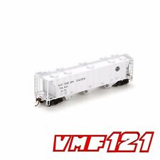 HO SP / T&NO #3675 PS-2 3 Bay Covered Hopper - Athearn #89091 vmf121