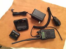 YAESU VX-7R Tranceiver, mic and charger