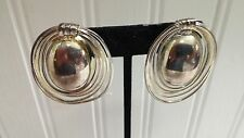 Vintage Light Goldtone Metal Wire Filagree Oval Clip-on Earrings