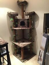 Cat Tower, Kitty Jungle; Brown with fake green ivy leaves.