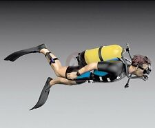 Royal Model 1/35 Recreational Scuba Diver Man w/Shorty Wetsuit (Spring Suit) 760