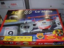 LE MANS 1/32 Slot Car Set with Audi R8 2000 Le Mans SCX TECNITOYS Scalextric NEW