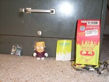 Futurama Kid Robot Series 1 Zapp comes with box, foil, booklet, and figure
