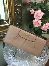 New Coach Ashley Pleated Gold Leather Wallet Zip Gold # 48102 MSRP $248 W1