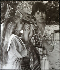 THE ROLLING STONES POSTER PAGE MICK JAGGER & BIANCA . Y82
