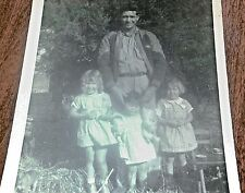 Vintage Old Photo/Snapshot Dad w His 3 Little Girls Country Setting