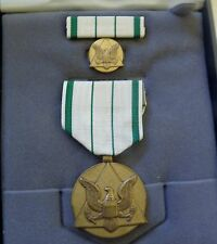 US  DEPT OF ARMY COMMENDERS PUBLIC SERVICE MEDAL,RIBBON,LAPEL PIN,BOX