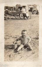 BK962 Carte Photo vintage card RPPC Enfant sable plage cabine charriot sceau