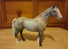 VERY RARE BESWICK GREY HUNTER HORSE H260 IN STRAWBERRY ROAN COLOURWAY