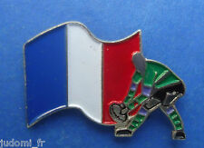 Pin's pin RUGBY COUPE DU MONDE 1991 EQUIPE DE FRANCE (ref L33)
