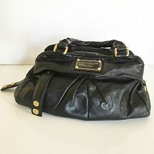 Marc by Marc Jacobs Twisted Q Groovee Handbag Satchel Leather Model M392039