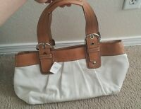 NWT AUTHENTIC SOHO PLEATED LEATHER PURSE TOTE WHITE  AND CAMEL #F13732 $378