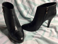 Bakers Black Leather Casual Ankles High Heels Booties Zipper Women's Size 9