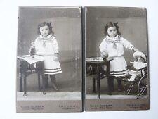 altes FOTO Photographie KABINETTBILD Mädchen mit Spielzeug Porzellankopfpuppe