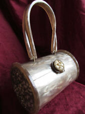 VINTAGE UNIQUE ROUND WILARDY SANDY CREAM PEARLIZED LUCITE PURSE ADORNED SHELLS!!