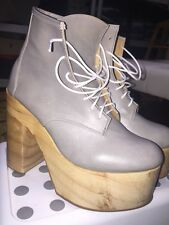 Deandri Platform Boots Size 9 Gray Leather Club Wear Wood Sole Jeffrey Campbell