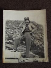 VTG 1940's PHOTO of a WELL DRESSED WOMAN SALUTING, WEARING SWEETHEARTS ARMY CAP