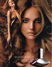 PUBLICITE ADVERTISING 045  2006  EUPHORIA  parfum CALVIN KLEIN avec LARA STONE 2