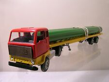 TEKNO DENMARK 426/242 VOLVO FB88 LONG TRAILER 1970 RED/GREEN/YELLOW BOXED 1:50