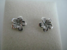 9ct white gold frosted & shiny flower stud earrings NEW ARRIVAL ON PROMOTION