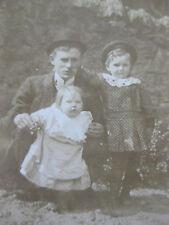 Vintage Photographie snapshot vers 1920 père et bébés chapeau melon