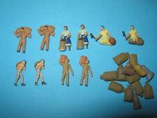 Figuren & Anlagenzubehör -  10 Kartoffel Erntehelfer mit 14 Säcken (Z167)