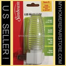 DONT STUMBLE IN THE DARK! SUNBEAM PLUG IN NIGHT LIGHT W/ LED BULB &ON/OFF SWITCH