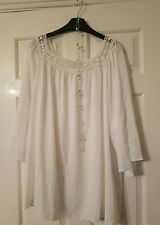 Wallis floaty sleeve lacy panel white blouse with 3/4 sleeves - size XL - VGC