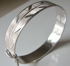 Vintage 1967 Sterling Silver Fully Hallmarked Diamond Cut Bangle