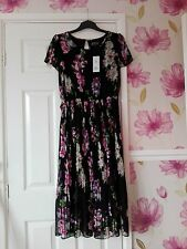 Womens Designer below knee dress Size 16 Brand New with Tags