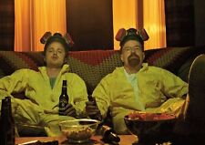 Breaking Bad Giallo Abiti e Birra Scena POSTER