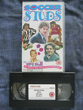 SOCCER STUDS WITH ZOE BALL VHS VIDEO.Beckham, Rednapp .EAN:044004767231.Cert.12.