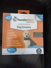 NEW THUNDERSHIRT For Dog Anxiety SOLID GRAY NEW LOOK SIZE MEDIUM 26-40 lbs