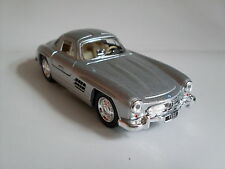 1954 Mercedes-Benz 300 SL Coupe silber, Auto Modell ca.1:36