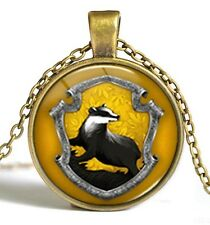 Amazing Harry Potter Hogwarts School Hufflepuff Pendant with Luxury Velvet Bag