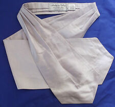 English silk cravat Andy & Tuly Pale lilac Formal mens wear Self-tie Wedding