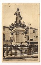 aigues_mortes  statue de saint-louis