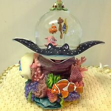 Disney Finding Nemo NEMO CORAL REEF-OVER THE WAVES Musical Snowglobe VHTF