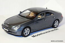 MERCEDES BENZ CLS GREY MET. - 1:18 Maisto