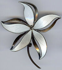 HROAR PRYDZ NORWAY VINTAGE STERLING SILVER WHITE ENAMEL DIMENSIONAL FLOWER PIN