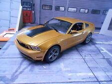 FORD Mustang GT COUPE 2010 muscle car v8 Gold Met + BLACK Greenlight 1:18