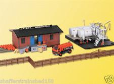 Kibri #  39838  KLETT Bulk Oil Depot w/Tank Truck   HO MIB