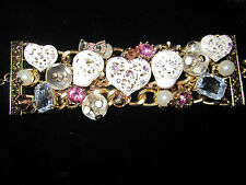 BETSEY JOHNSON WHITE LACE SKULL HEAD WITH PINK BLING STATEMENT BRACELET