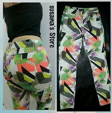 NWT BEBE PRINTED FLIRT  SKINNY  PANTS SIZE XS MULTI COLORS MSRP$80